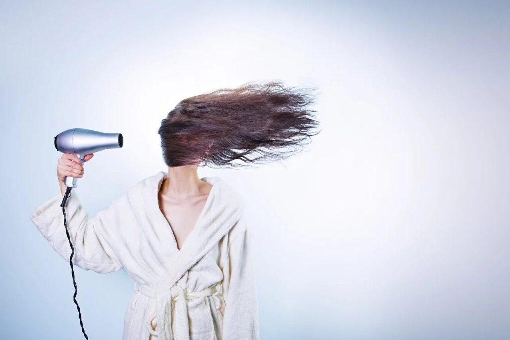 egészséges fényes haj szárítás